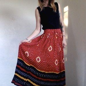 <VTG> Flowy Patterned Skirt